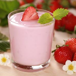 Bild: Erdbeer-Milchshake mit frischen Erdbeeren